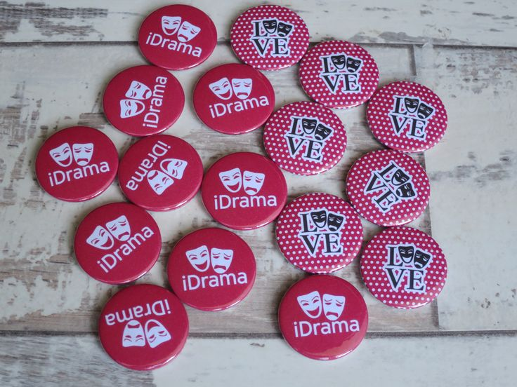 Drama/Theatre Badges heading out to a school in Croydon. We have lots of school … – Badges for Schools