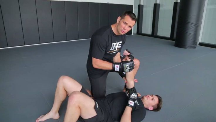 Rich Franklin teaches the finer details of executing an armbar!