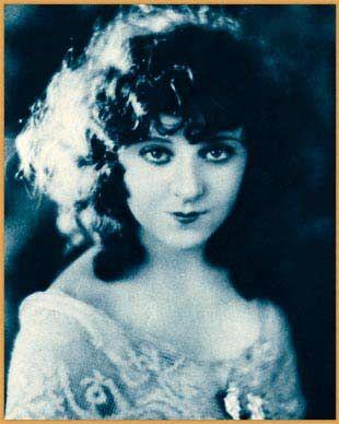 jobyna ralstonCo Stars, Photography Movie Stars, Silent Screens, Actresses Born, Silent Film, Vintage Face, Film Actresses, Jobyna Ralston, Beautiful Vintage