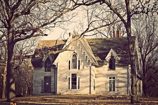 Abandoned Victorian House - Fond du Lac, WI by Roxie1303, via Flickr