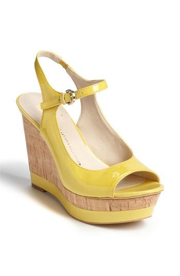 super cute!Ex-Tailor, Sarto Safari, Jaune Yellow, Safari Time, Yellow Wedges, Yellow Shoes, Fashion Fab, Basic Wedges, Art Yellow