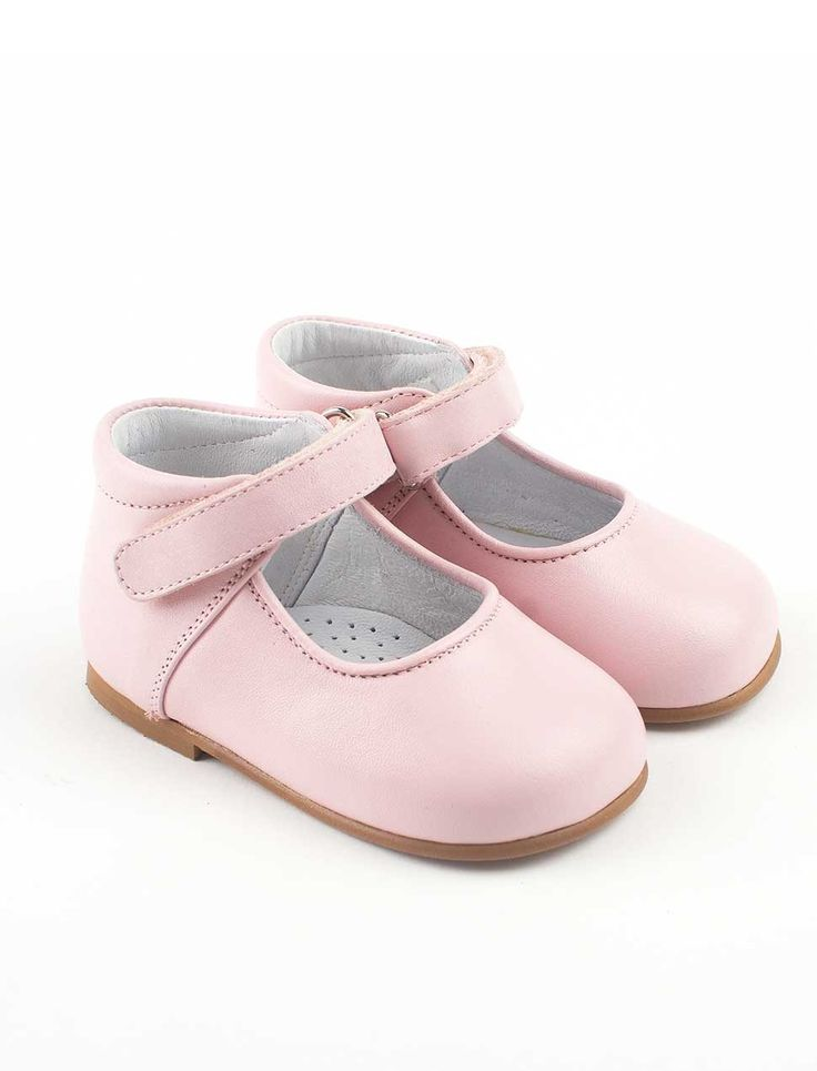 Leather handmade first walking shoes for baby girls in soft pink