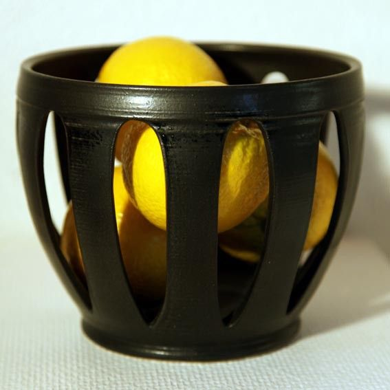 Apelsinskål matt svart glasyr via torsasfajans. Click on the image to see more!