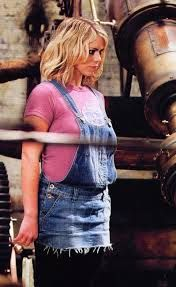 I am looking for the overalls and shirt that rose tyler wore in that episode of doctor who
