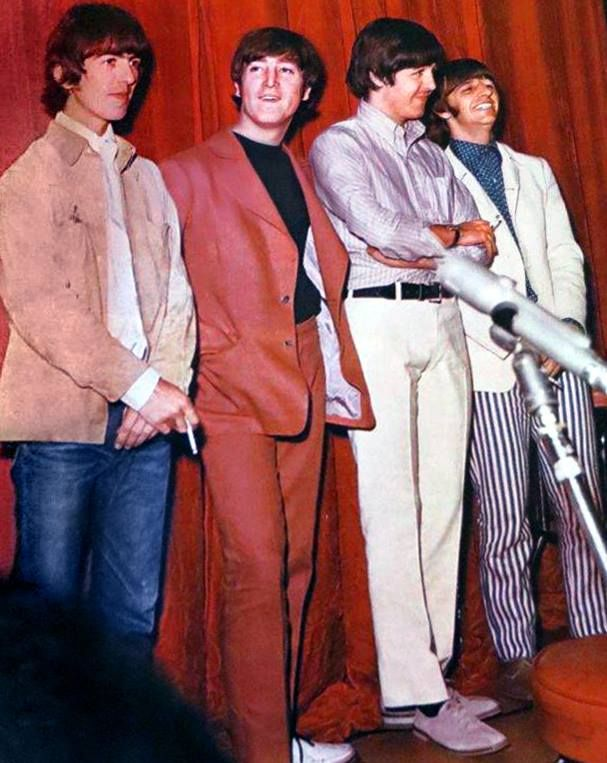 """Press conference for the Beatles album """"Revolver"""". released on July 5,1966"""