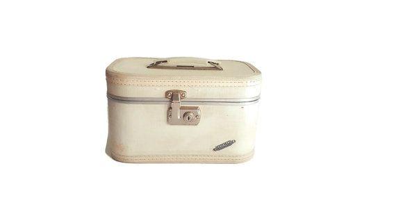 Vintage Travalong White Suitcase -  60s 70s Traincase Small Luggage - Retro Travel Burlesque Pin Up Case - Hardside Makeup Cosmetic Art Case