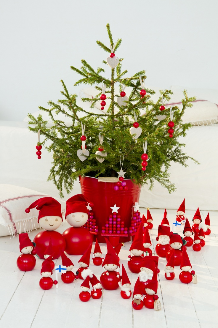 joulutonttuja by aarikka