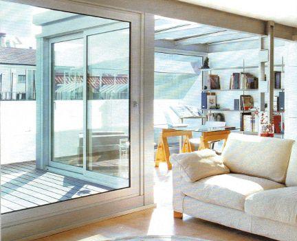 Un appartamento con studio in veranda e camera futon