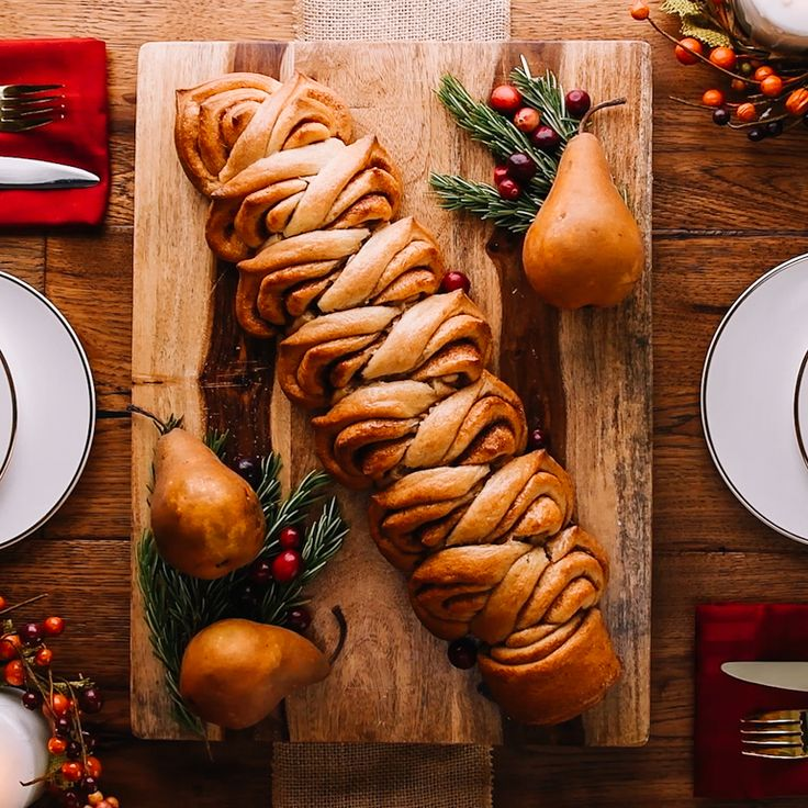 6 Fool-Proof Ways to Shape Store-Bought Bread Dough into Holiday Table Showstoppers