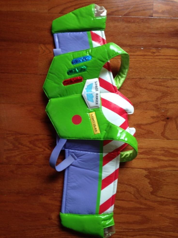 Disney/Pixar TOY STORY Buzz Lightyear JET PACK WINGS Dress Up Costume. If I made this with cardboard and covered it with duck tape?