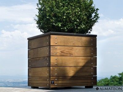 Les 28 meilleures images propos de bacs fleurs et - Bac en bois pour terrasse ...