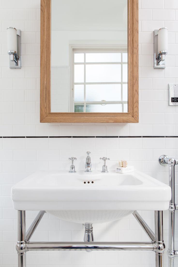 Simple white shower room