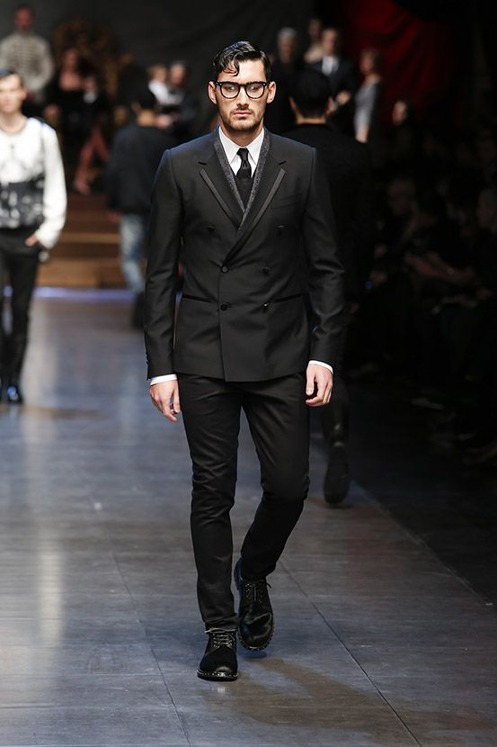 Dolce & Gabbana Men Winter 2016 Fashion Show