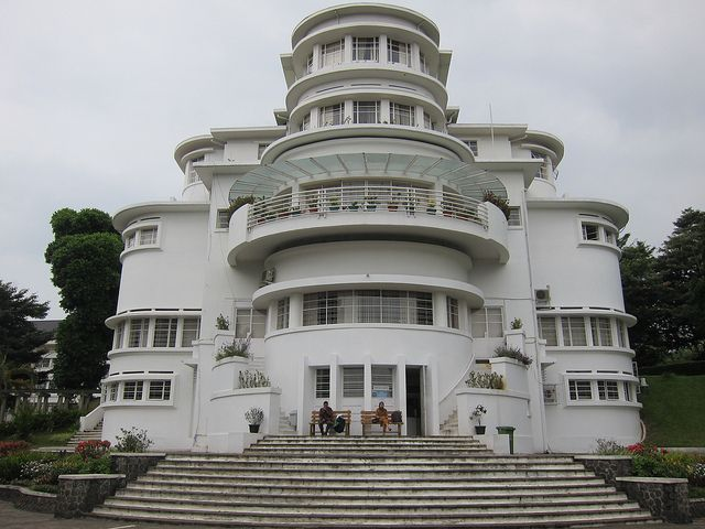 P & O  Style. Villa Isola, in Bandung, Indonesia, designed by Wolff Schoemaker and completed in 1933