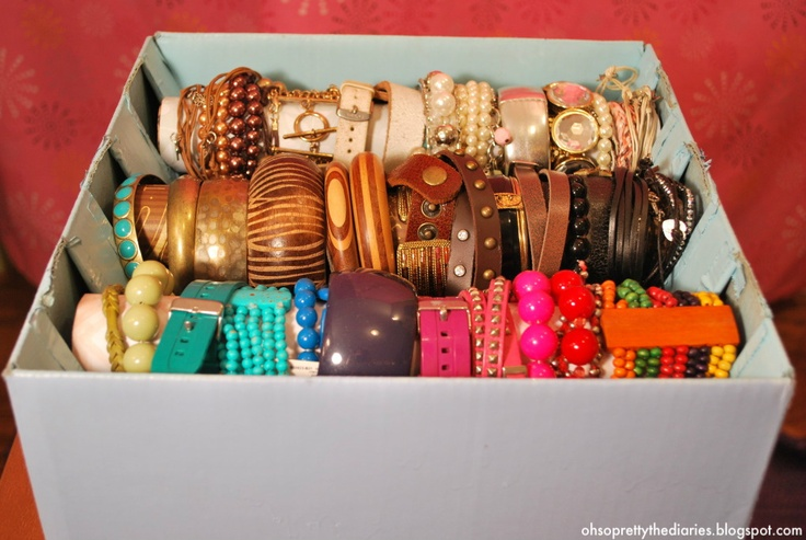 REALLY cheap/easy way to organize bracelets using paper towel tubes and a cardboard box