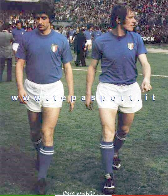 La Nazionale Italiana di Calcio Gianni Rivera, Romeo Benetti ... ⚽️ C'ero anch'io ... http://www.tepasport.it/   Made in Italy dal 1952