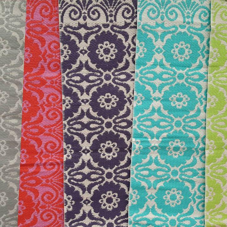 Mooi buitenkleed van plastic van het merk Evenaar in 180 x 270.  Goed te reinigingen, gemaakt van geweven plastic.