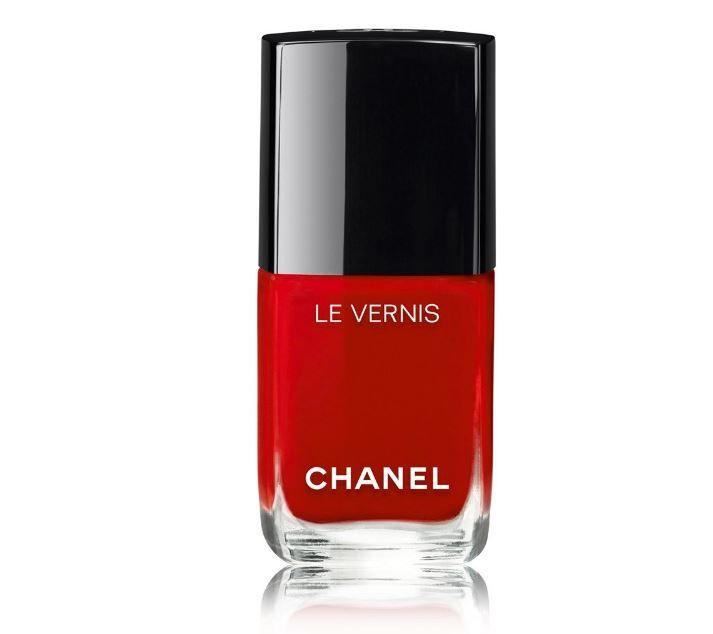 Gli Smalti Chanel autunno inverno 2016 2017 tra Rosso e Metallic smalti-chanel-autunno-inverno-2016-2017-rouge-puissant