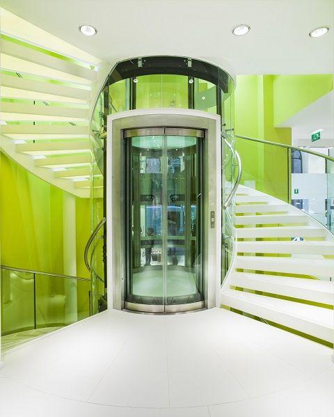 Projects PORCELANOSA Grupo: tienda Bershka de Bolonia, Italia | Porcelanosa blog #Porcelanosa #Krion #Systempool #proyectos #diseño #interiorismo #arquitectura #Bershka #Inditex #franquicias #localescomerciales