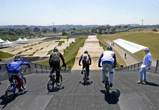 BMX racers tested the new track in Deodoro on Sunday  (Photo: J.P. ENGELBRECHT)