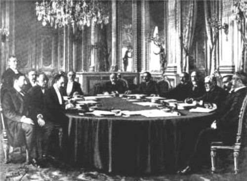 On December10the Treaty of Paris was signed, thus endingthe Spanish-American War.Spain ceded the Philippines, Guam, and Puerto Rico (Cuba was granted its independence); in return, the US paidSpain the sum of US 20 million dollars for the Philippines.(The Philippine-American War, which broke out two months later, cost the United States 200 million dollars).