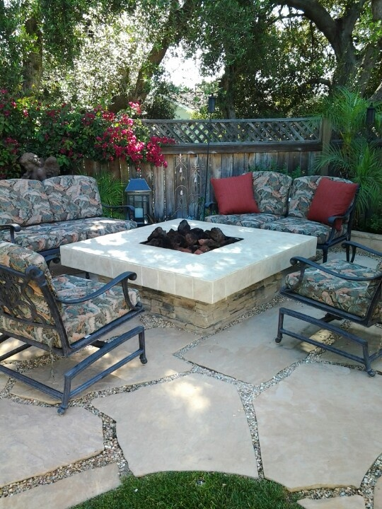 96 best outdoor living ideas images on pinterest home gardening and patio ideas - Types fire pits cozy outdoor spaces ...