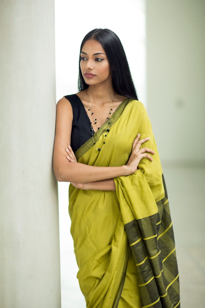 Every saree of mine has a tale to tell. Where was it painstakingly acquired, from the lanes of Bangalore or the gallis of Amdavad and Vadodara or the bylanes of Chennai. Kyon har saree kuch kehti hai:) I love this lush green creation!