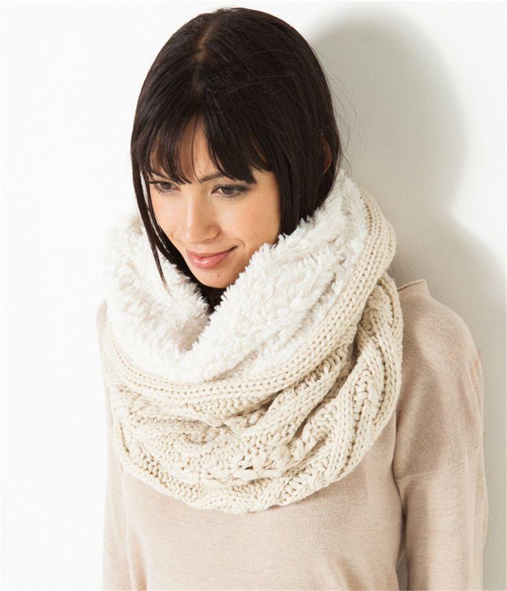 snood femme fourr echarpe femmes cama eu tricot pinterest snood femme snood et fourr e. Black Bedroom Furniture Sets. Home Design Ideas