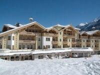 """Hotel Kristall in Finkenberg (Zillertal) günstig buchen / Österreich. Das sehr komfortable 4-Sterne-Hotel Kristall liegt zentral in Finkenberg, nur ca. 150 m von der Gondelbahn """"Finkenberger Almbahnen"""", etwa 5 km vom bekannten Ort Mayrhofen und ca. 14 km vom Ganzjahress ..."""