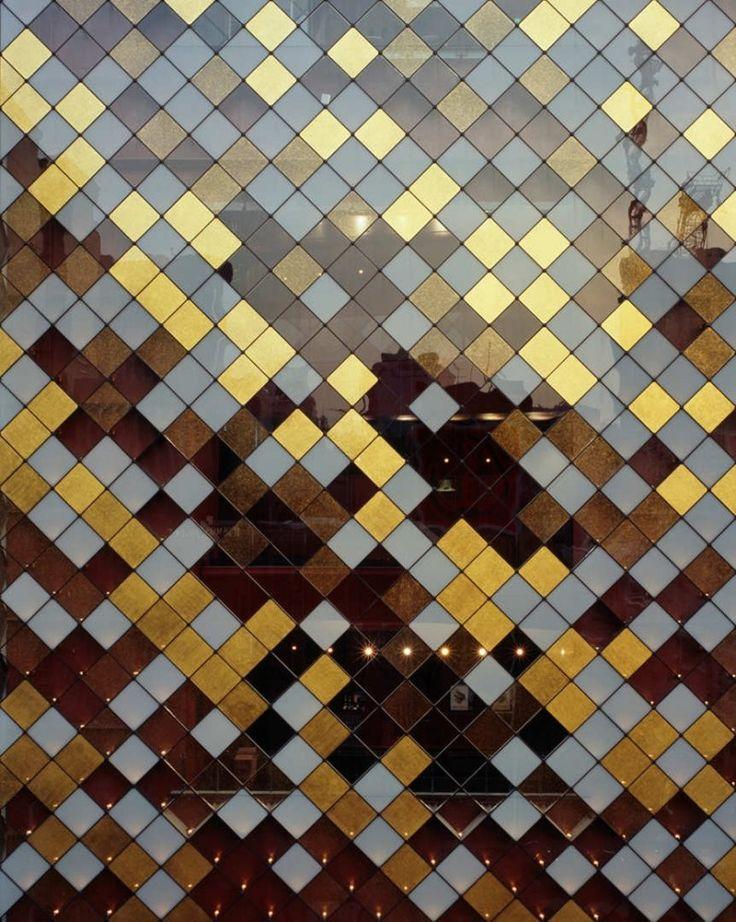 Gold pane window