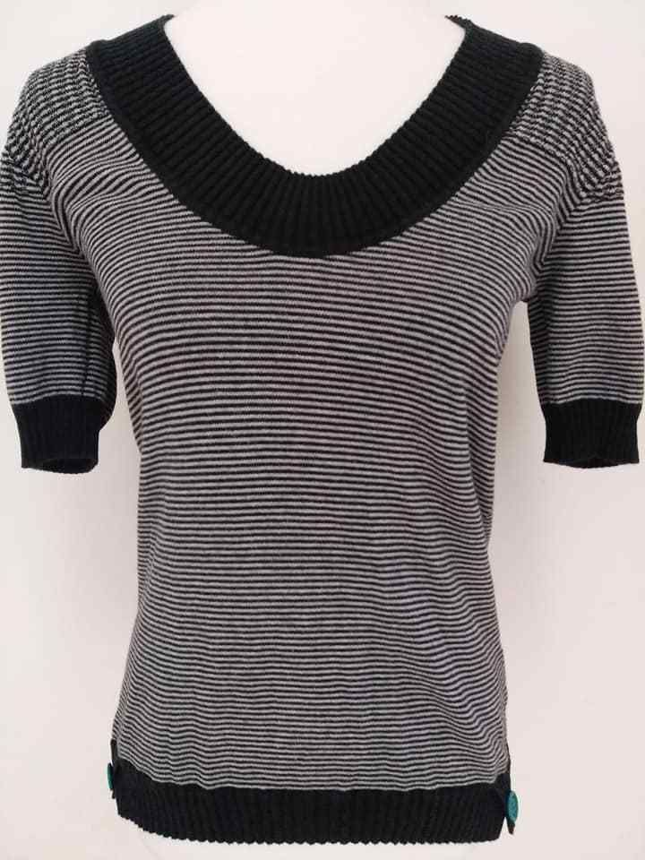 d8a312bde2bad Guess Women s short sleeve Navy White Striped Sweater Tunic Size L Nautical   GUESS  Tunic