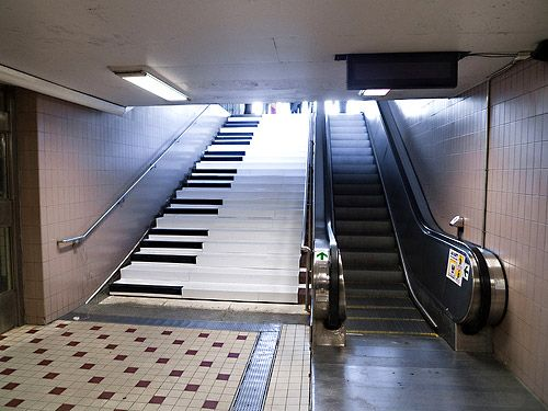 "Fun Theory created a charming piano stairs at a metro station in Stockholm, Sweden and asked,  ""Can we get more people to take the stairs over the escalator by making it fun to do?"" Yes! #TAKE10 via The KEEN Blog"