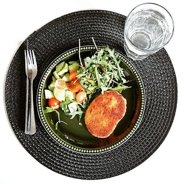 Hemma en sväng för lunch :] #detaljrik #detalj #detail #lunch #måltid #mat #grönsaker #vegetables #bordstablett #öob #köksbord #dukning #inredning #interior #heminredning #homedecor #inreda #inspiration #dekoration