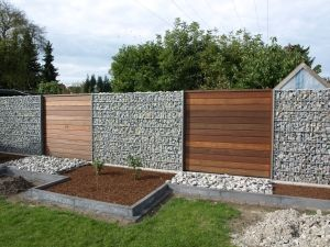 gabionen und holz garden pinterest gardens and. Black Bedroom Furniture Sets. Home Design Ideas