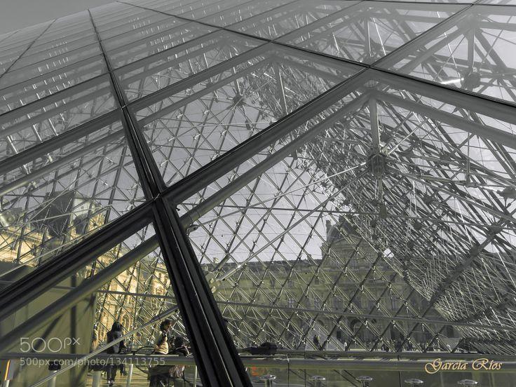 Museo del Louvre. - Pinned by Mak Khalaf Travel CanonChrystalCristalEuropaEuropeFranceFranciaG15LouvreManu GarcíaMuseoMuseumParisPiramidePowershotPyramid by ManuGarca1
