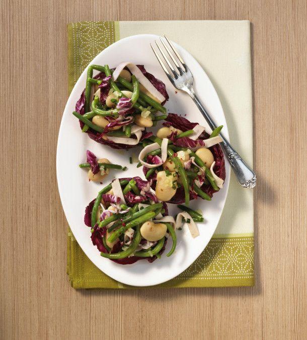 Unser beliebtes Rezept für Bohnen-Radicchio-Salat und mehr als 55.000 weitere kostenlose Rezepte auf LECKER.de.