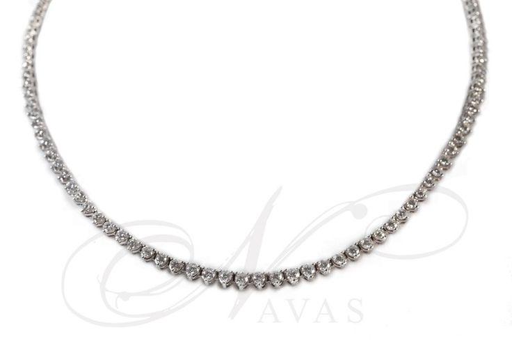 Elegante collar de diamantes. Este modelo de collar en oro blanco con diamantes de talla brillante, es perfecto para una fiesta o un evento especial. Si lo deseas, puedes consultar el precio de este collar en platino. Puedes adquirirlo en www.joyeriaydiamantes.com