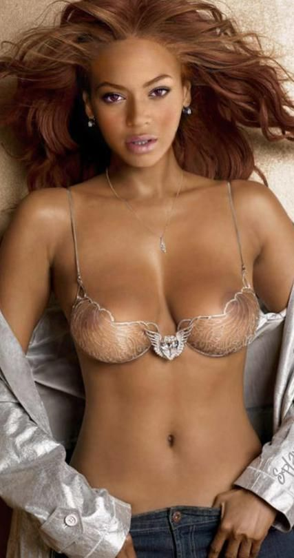 Beyonce sexy tits