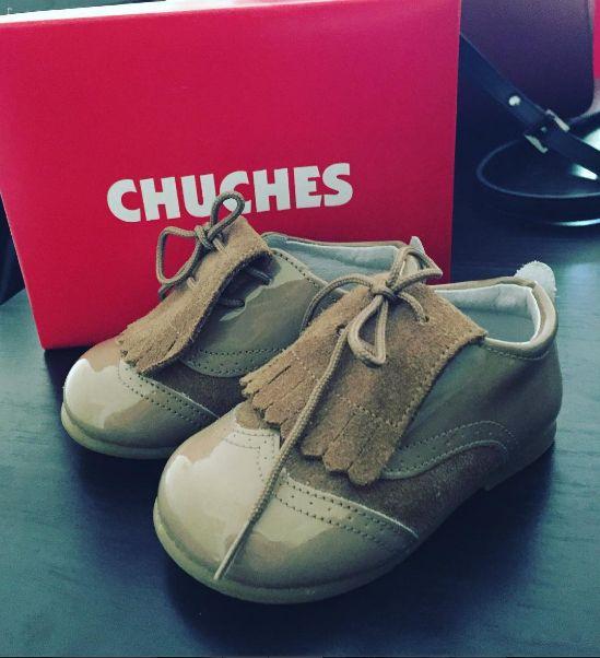 Fotito que nos manda @anitamillanf de estos zapatos chuches taaaan bonitos. Seguro que su pequeño va a ser la envidia de todo el parque. 😍 🍭🍬👞🍬🍭 #CalzadoChuches #Chuchez #Zapatos #Calzado #ZapatosNiños #ZapatosNiñas #ZapatosBebés #Niños #Niñas #Bebés #ZapateríaInfantil
