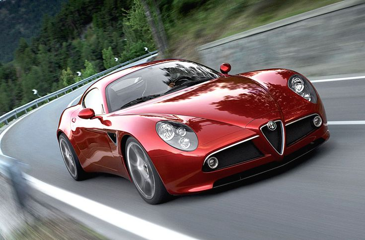 Another Alfa 8C, this time the coupe version. RAWR!