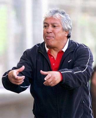 Gallego rió último  Gallego es el cuarto DT extranjero campeón en los torneos cortos