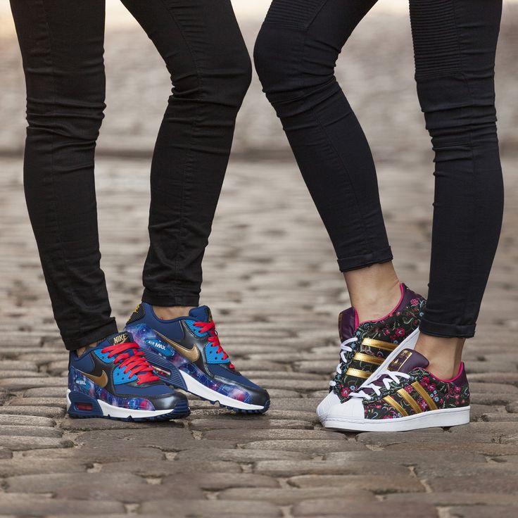 Nike Air Max 90 Prem LTR GS 004 vs adidas Superstar W 441?