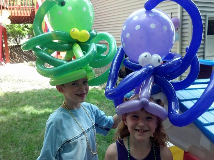 Octopus balloon hats