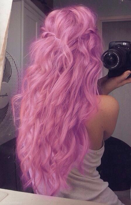 Once again, to get this look, use your regular curling tool (or not) and use SPLAT! hair color, chalk, etc. Most SPLAT product are wash out