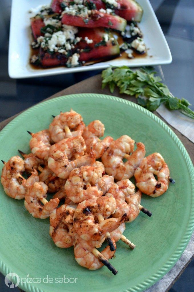 Brochetas de camarones con chipotle   http://www.pizcadesabor.com