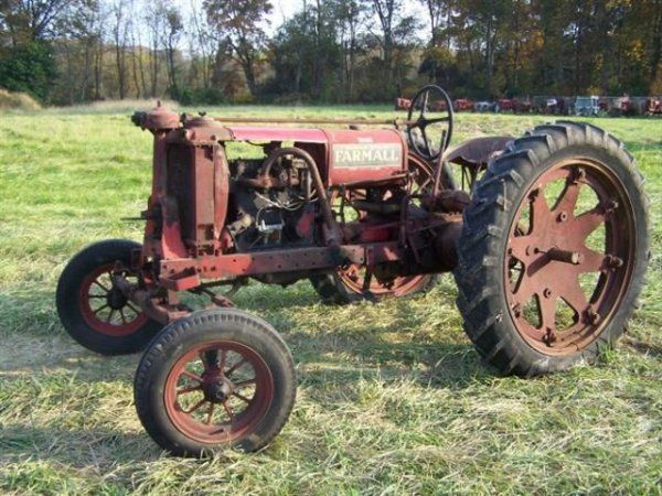 2258: Rare Farmall F12 Wide Front Antique Farm Tractor : Lot 2258