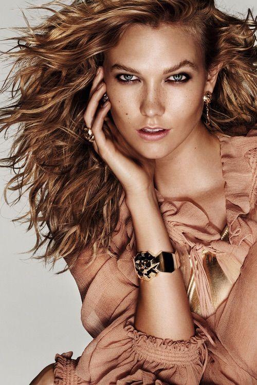 Image via We Heart It #beautiful #blonde #girl #KarlieKloss #model