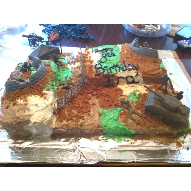 Army birthday cake- I see this in my future! =)