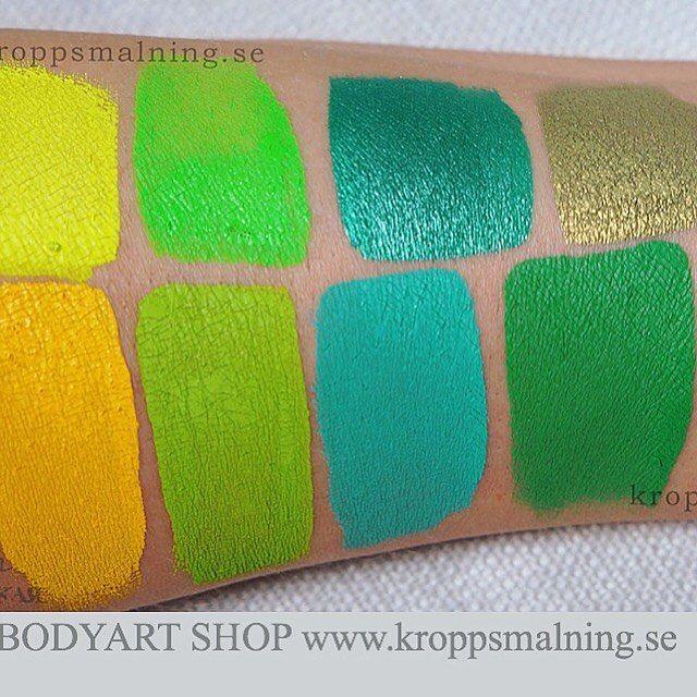 """Professionella Färger för Ansiktsmålning gör processen smidigare och dina målningar färggladare! ....SHADES OF GREEN Swatch från DFX Allergitestade och högt-pigmenterade sitter utan att kladda och tvättas bort med vatten &tvål. . . FÄRG SHOP drivs av Sveriges ledande konstnär inom kroppsmålning """"Evgénia BodyArt"""" och hon blir glatt att ge er tips och råd!!!  . . Lager finns i Centrala STOCKHOLM där man kan hämta sin beställning FRAKTFRI ..och fast frak på 50kr inom hela Sverige  . . REDO för…"""