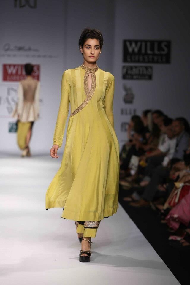 Designer Bride: Anand Kabra at Wills Lifestyle India Fashion Week 2013